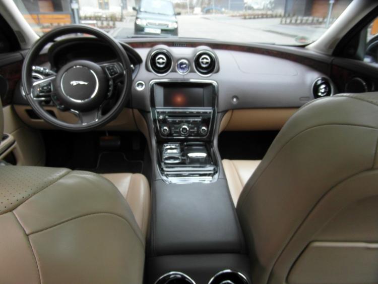 Jaguar XJ wnętrze